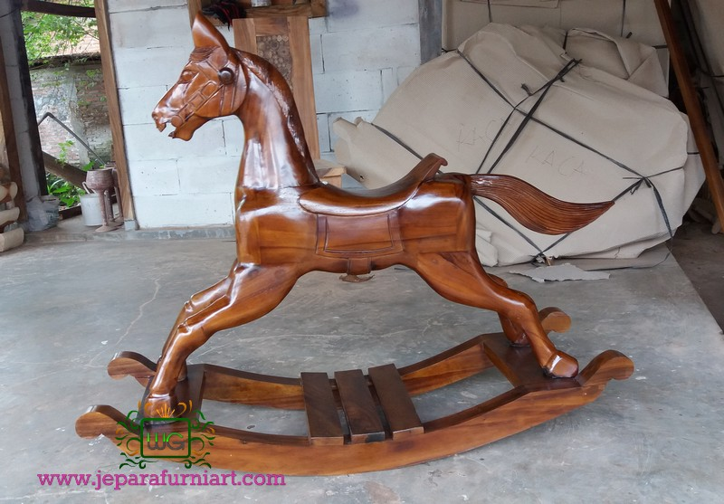 Kuda Goyang Kayu Trembesi