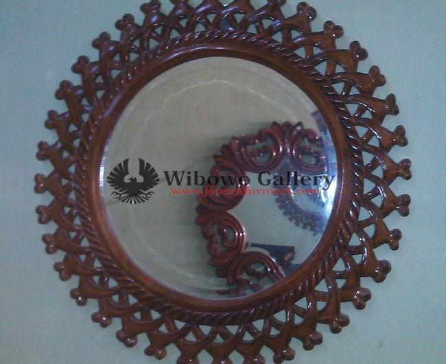 Frame Mirror Jati Ukir Cambah