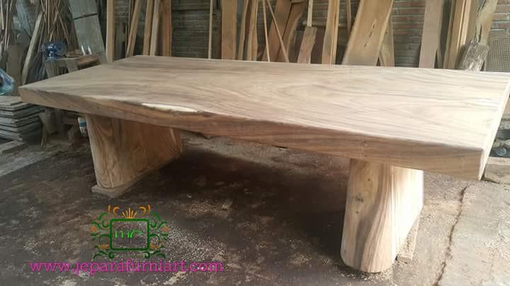 meja makan trembesi solid