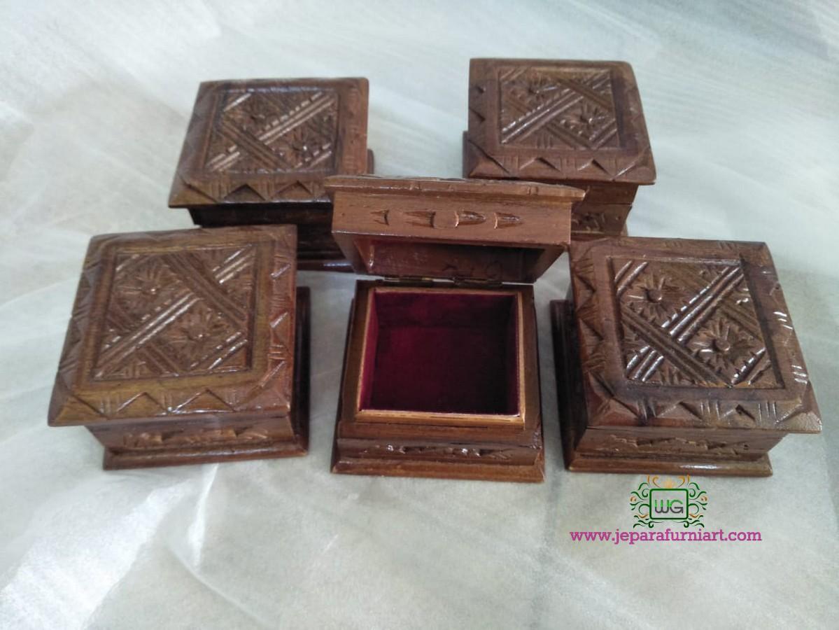 Kotak Cincin Kayu Jati