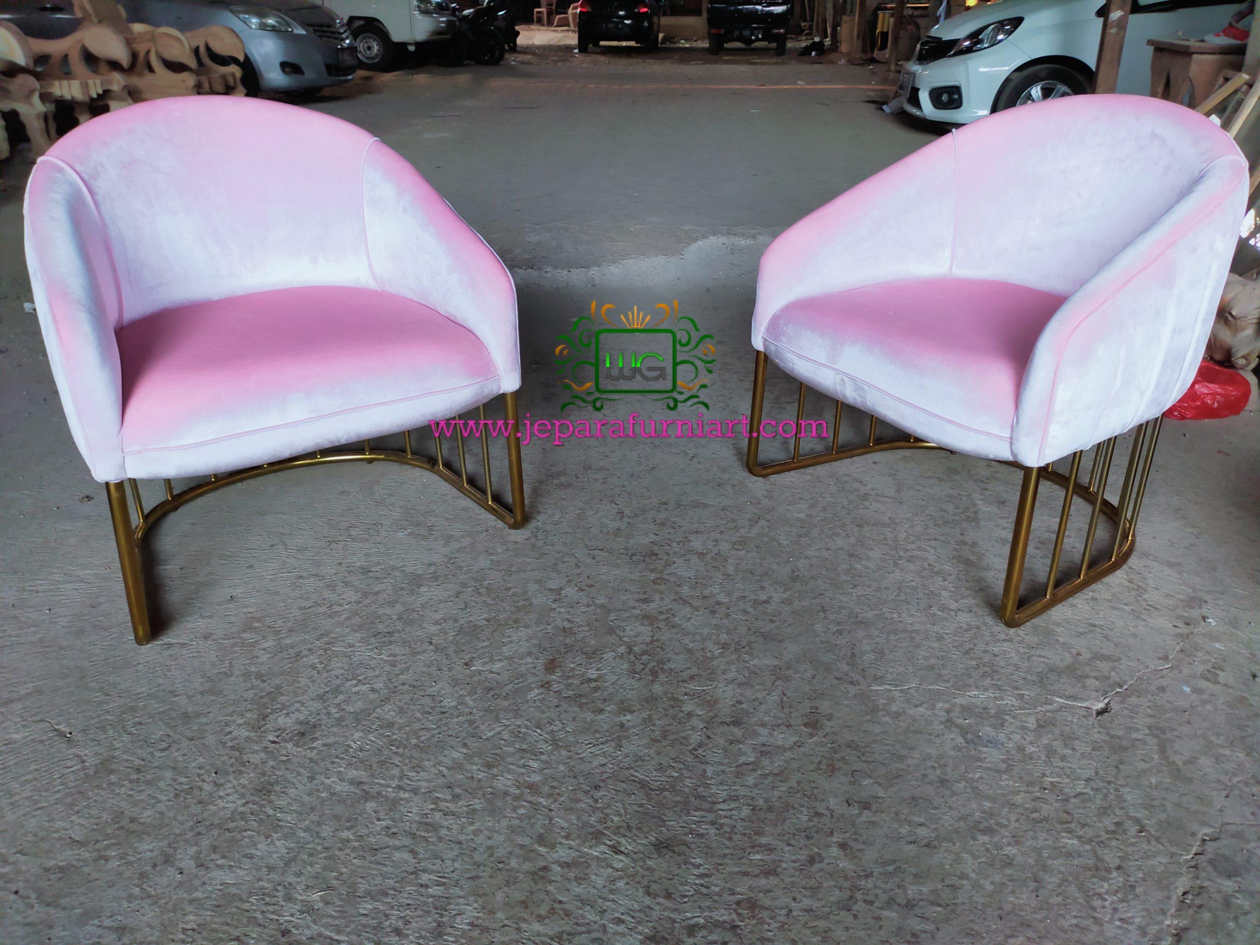 Kursi sofa kaki stainless